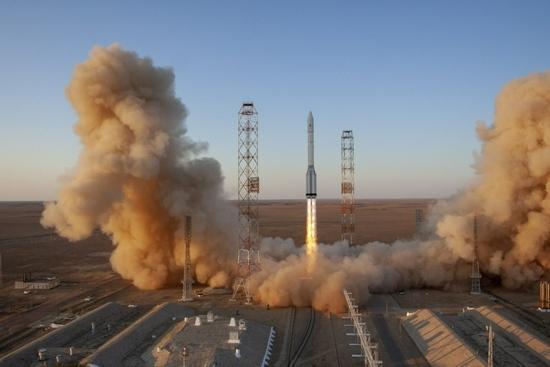 俄罗斯成功发射科学号重型实验舱将于29日与国际空间站对接
